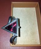 Ceas dama Collezie tip bratara inox. Ecran in forma de triunghi, Quartz