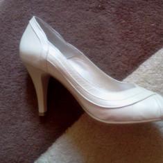 Pantofi de mireasa - Pantof dama, Culoare: Crem, Marime: 39, Crem