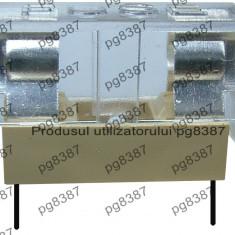 Soclu siguranta pe cablaj, cu capac, 5x20 mm, suport sigurante mici-2530
