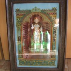 ICOANA - PRAGER JESUSKIND DIN PORTELAN IN CASETA DE LEMN SI STICLA PICTATA SI CU MUZICUȚĂ - Icoana pe lemn