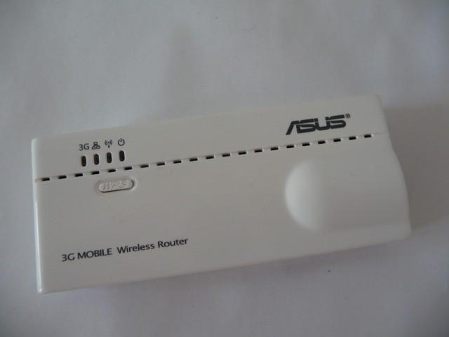 Router 3g si wifi ASUS WL-330N3G Router wireless 3G CEL MAI MIC ROUTER 3G PORTABIL DIN LUME ce ofera 6 moduri de utilizare integrate NOU FULL foto mare