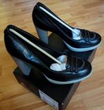 Pantofi Lacoste SUPER Okazie. REDUCERE!!!, 39 1/3, Negru, Cu toc