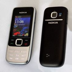 Nokia 2730 + Casti Bershka - Telefon Nokia, Negru, Clasic, 2 MP, Bluetooth: 1, E-mail: 1