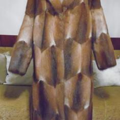 Haina dama blana naturala de bizam, lunga, masura 44 - ca noua - impecabila