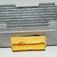 Releu / regulator incarcare / tensiuune scuter Piaggio / Piagio ( 8 Pini ) - Releu incarcare Moto