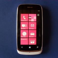 Vand NOKIA 610 LUMIA !!! - Telefon mobil Nokia Lumia 610, Alb, Neblocat