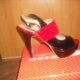sandale rosii cu negru, platforma si toc! marimea 39