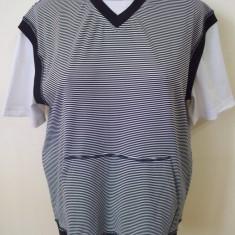 Bluza Oboy Streetwear; marime XXL; bust: 56.5 cm, lungime: 65 cm, talie: 48 cm - Bluza dama, Culoare: Din imagine, Maneca scurta, Poliester