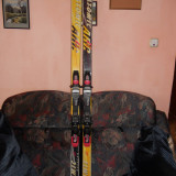 Skiuri adulti ATOMIC ARC RS cu legaturi