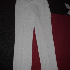 Costum dama 3 piese pantalon cu fustita fusta aplicata 2 in 1 si top si camasa rosie mas 36 cul gri de primvara vara toamna