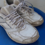 Adidasi REEBOK din piele marimea 40,5 / Adidasi REEBOK originali