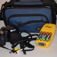 Aparat Foto Fujifilm S1500+Accesori - Aparat Foto compact Fujifilm, Compact, 14 Mpx, 18x, 3.0 inch