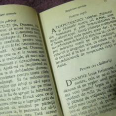 CARTE DE RUGACIUNI, VECHE, INVATATURA CRESTINA, CRISTOS PANTOCRATOR, editata in Franta, IN ROMANESTE