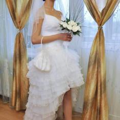 Rochie de mireasa model deosebit - Rochie scurta de mireasa
