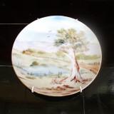 Farfurie decorativă pictată și semnată
