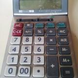 Calculator electronic Karee baterie si solar, nefunctional