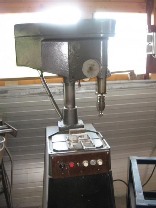 Bormasina de banc foto mare