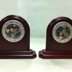 Ceas din lemn de mahon - ora pe glob - import BESTAR