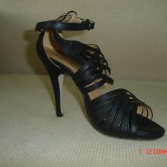 Sandale negre FORTUNELLI marimea 36 - Sandale dama, Culoare: Negru