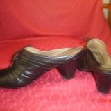 pantofi negri PIELE NATURALA  decupati -marimea 36
