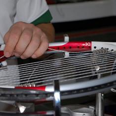 Racordez rachete tenis 10 Lei manopera - Badminton