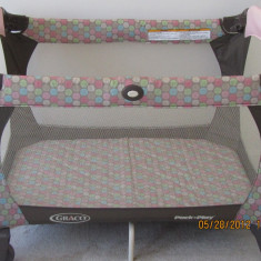 Pat pliant/Tarc cu doua nivele si cu accesorii pentru copii marca Graco USA - Patut pliant bebelusi Graco, Roz