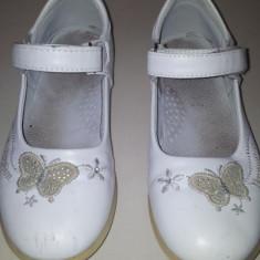 SH: Pantofi albi de fete marimea 30, ca noi, talpa interior 18 cm - Pantofi copii
