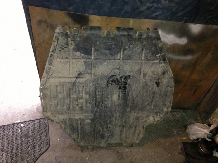 Vand Scut motor Skoda octavia foto mare