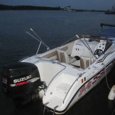 VAND BARCA CABRIO 8.05 - Barca cu motor, An fabricatie: 2004, 300 Km, Exterior, Benzina, Numar motoare: 1