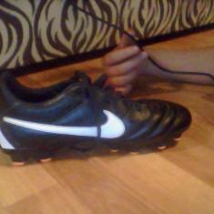 Ghete fotbal Nike, Marime: 40, Negru, Copii