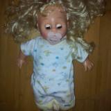Papusa bebelus cu suzeta