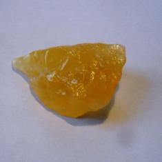 Calcita galbena