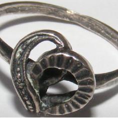 Inel vechi din argint in forma de inima (1) - de colectie
