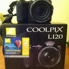 Aparat de fotografiat si filmare video, stare excelent de buna, este detinut de un fotograf, fara zgarieturi carcasa si obiectiv, ecran! - Aparate foto compacte Nikon