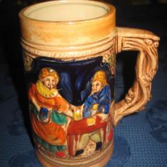 Halba ceramica cu hangita, musteriu si cabana- inaltime 14 cm, latime 12 cm.