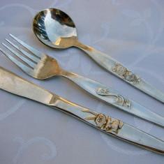 Superb set de furculita, lingurita si cutit placate cu argint (de botez), Tacamuri
