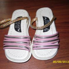 Papucei fetite - Papuci copii, Marime: 17, Culoare: Alb, Fete