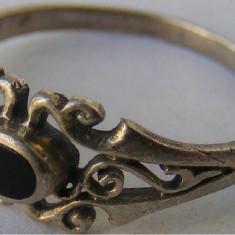 Inel vechi din argint cu piatra onyx (18) - de colectie