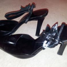 SH: Pantofi negri piele Nine West, marimea 37, ca si noi - Pantof dama Nine West, Culoare: Negru, Cu toc