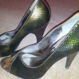 SH: Pantofi piele de la Carlos Santana, 37, ca noi