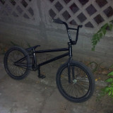 Vand bicicleta BMX cu piese pe comanda