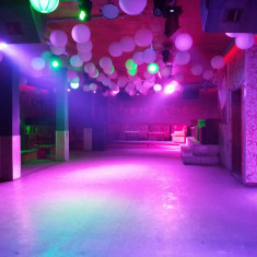 Mobilier pentru club / discoteca, canapele, mese - Efecte lumini club