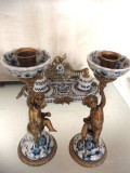 PERECHE DE SFESNICE DIN PORTELAN SI BRONZ, Decorative
