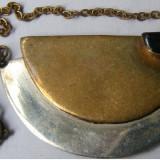 Pandantiv vechi din metal cu piatra - de colectie