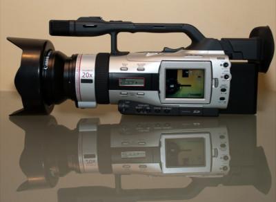 CAMERA VIDEO pentru scurt-metraje, documentare, videoclipuri - 3CCD foto