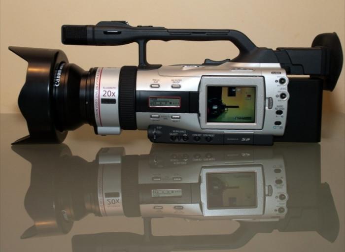 CAMERA VIDEO pentru scurt-metraje, documentare, videoclipuri - 3CCD foto mare