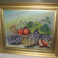 Tablou vechi pe placaj- Natura statica cu fructiera si fructe, rama din lemn bronzuita,