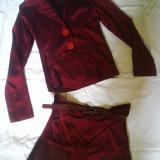 costum elegant; fusta si sacou de PRIMAVARA