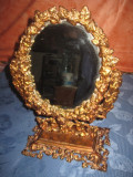Oglinda dama masa metal bronzuit stil Baroc in stare buna.
