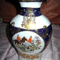 Frumoasa vaza China din portelan cu tematica Anglia de vanatoare cu splendid design si manual pictata - Arta din Asia